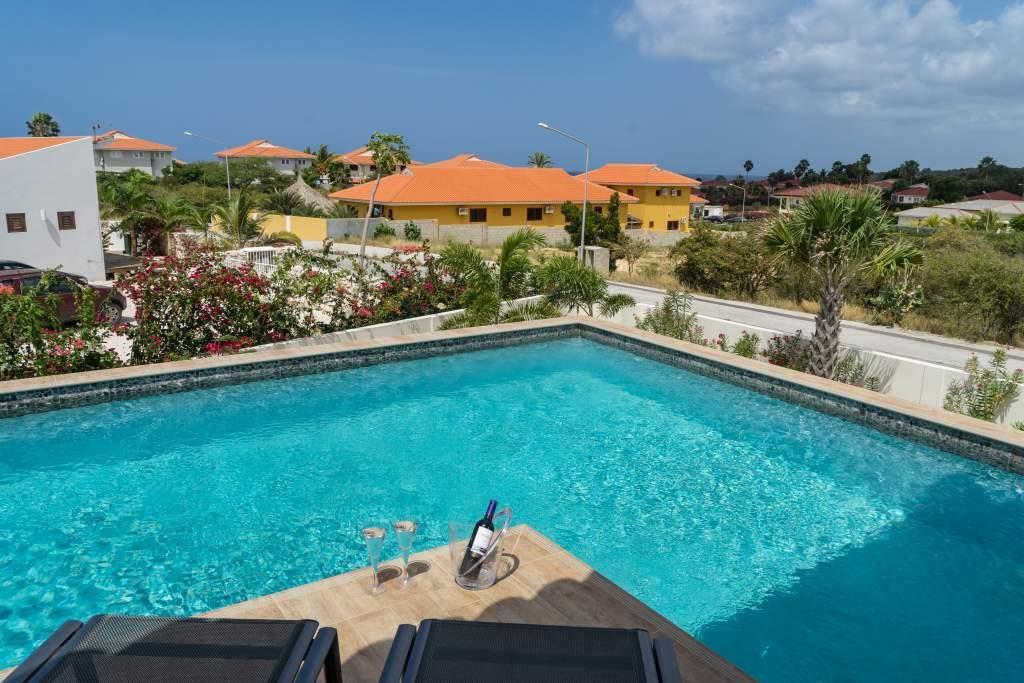 Vakantie Villa Curacao zwembad met uitzicht.. Het vriendelijk Curaçao wacht op u.